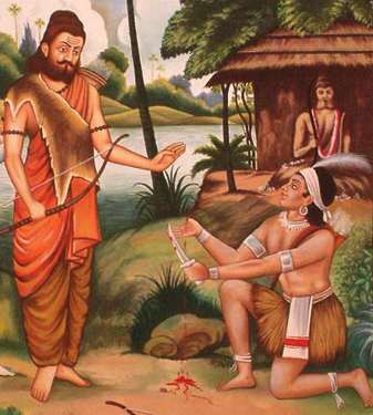 Ekalavya Picture cutting his thumb off